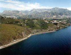 Playa de Wilches between Nerja and Torrox