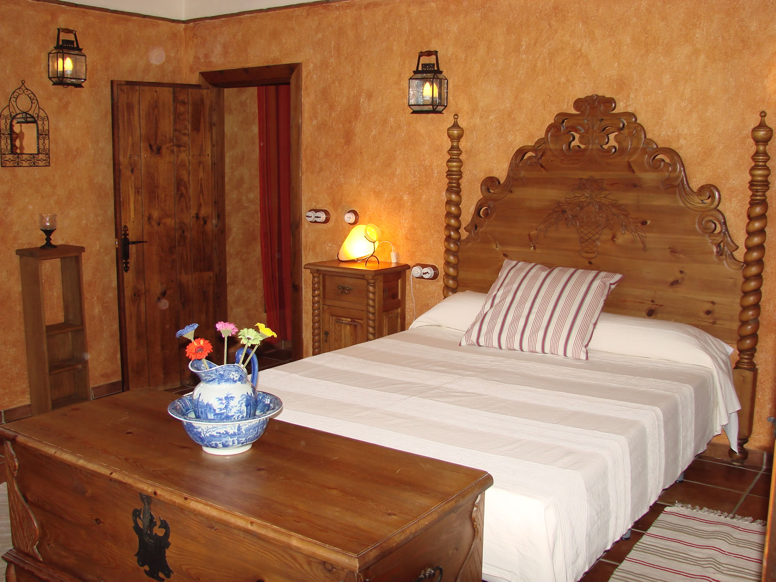 Villa Canta Ranas master bedroom