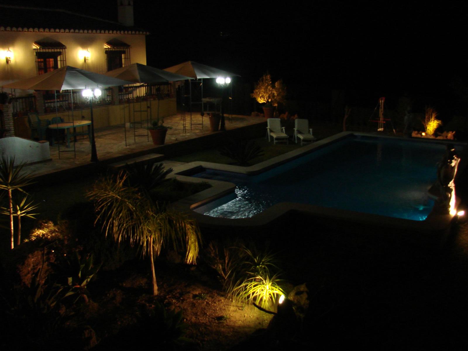 Villa Canta Ranas pool at night