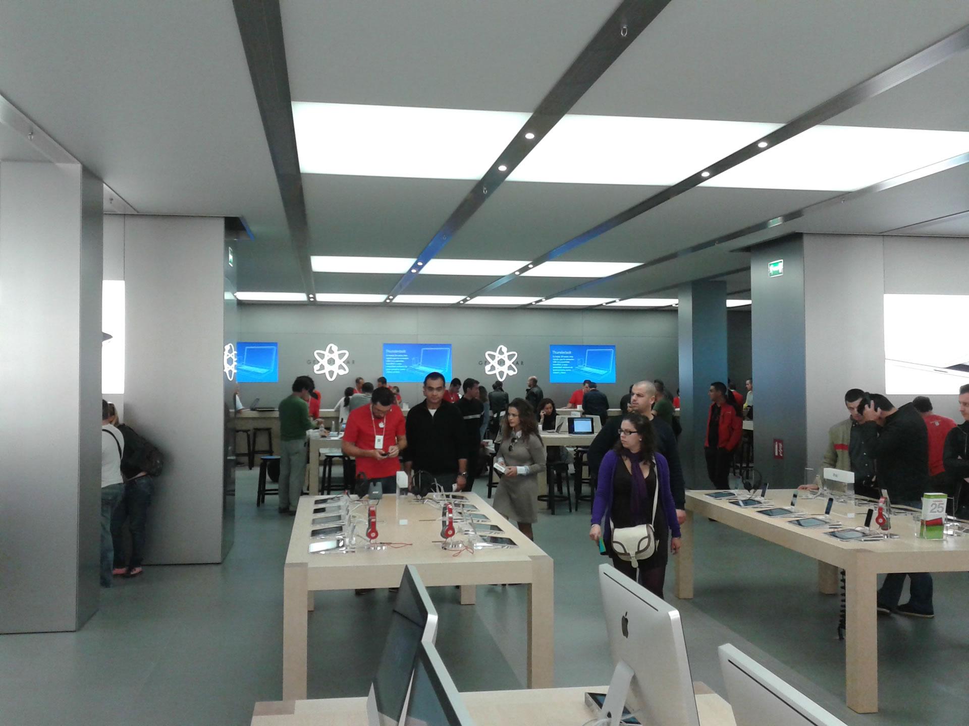 Apple Store Marbella opened