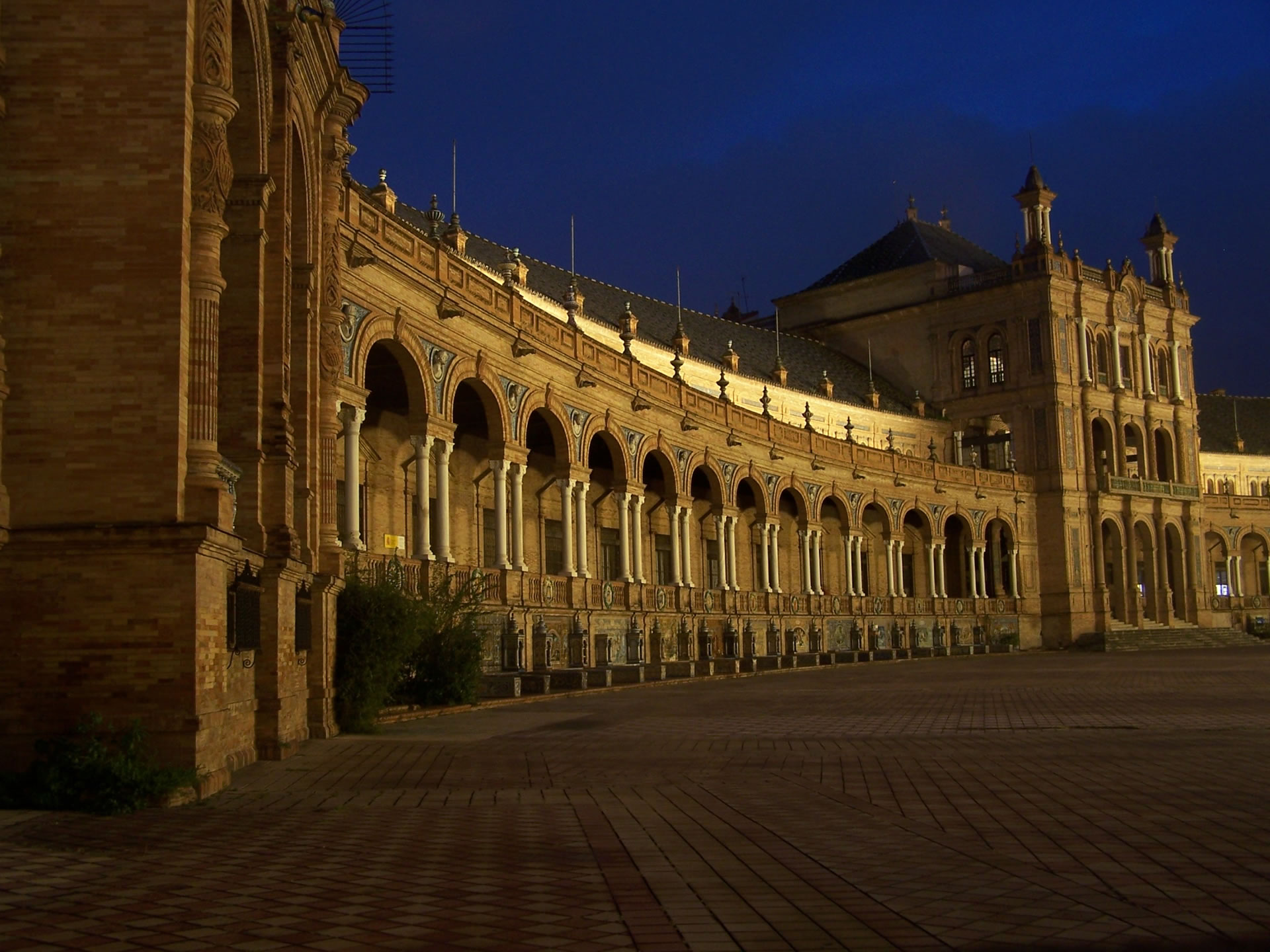 The Aura and Old World Charm in a Modern Vibrant City - Seville