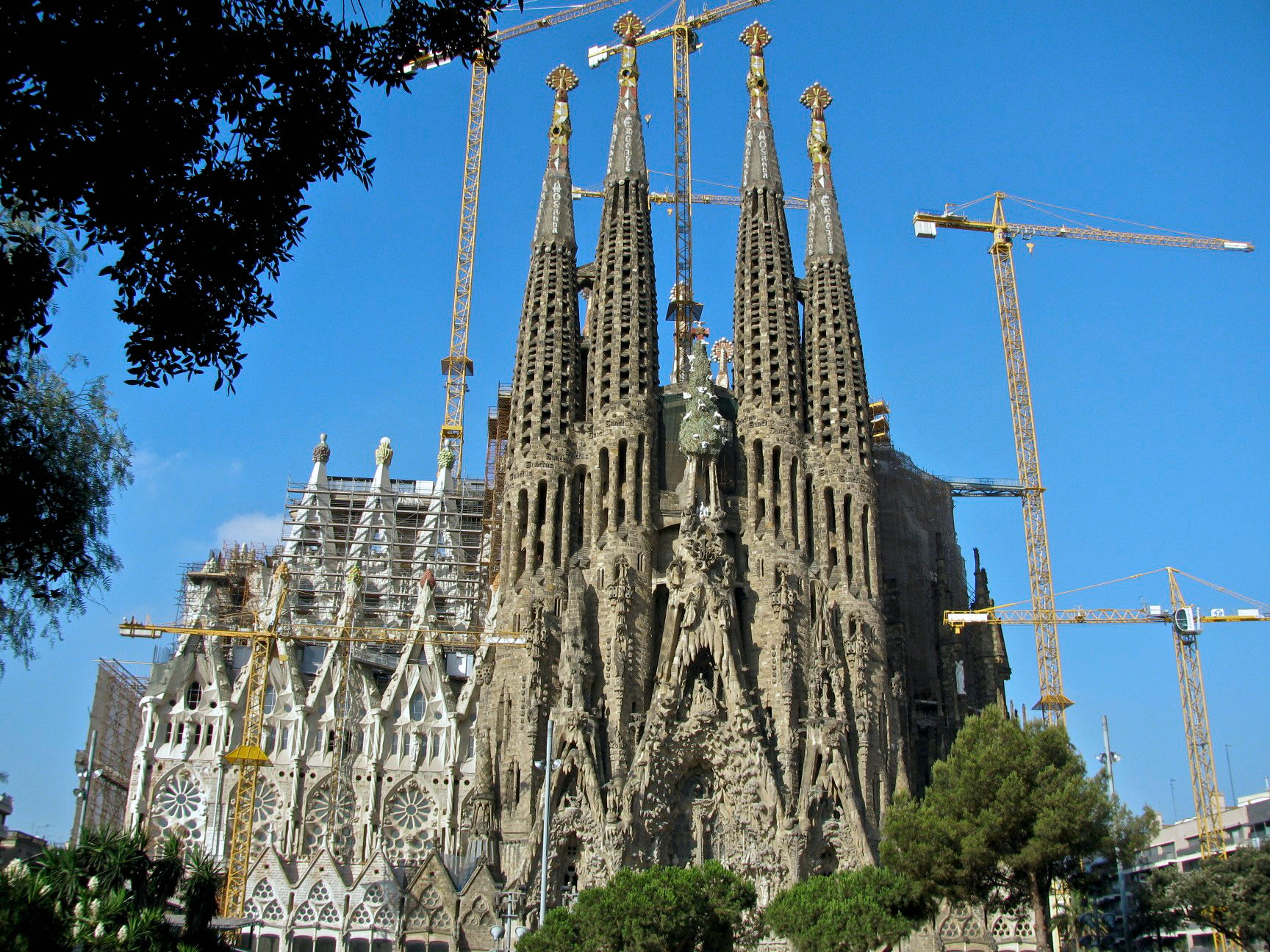 Barcelona travel guide costa del sol news for Barcelona famila