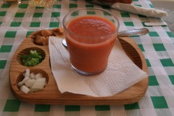 Typical and specialty foods of Andalusia - Gazpacho (wikipedia by Tamorlan)