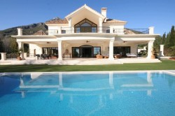Buying a property in Sierra Blanca, Marbella