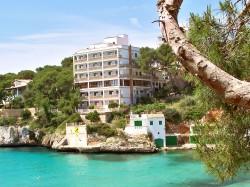 holiday trips to Southern Spain and cheap hotel